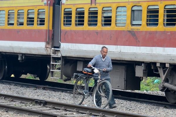 PunjabKesari, Shivala railway gate trouble for people