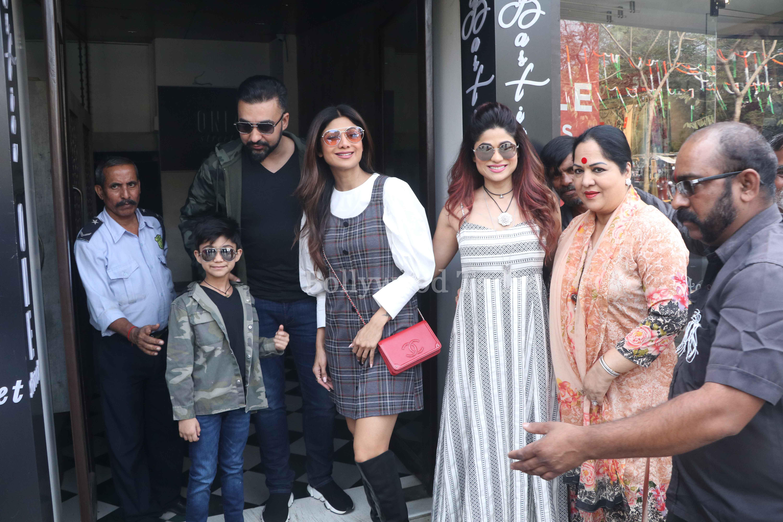 Bollywood Tadka,  शिल्पा शेट्टी इमेज, शिल्पा शेट्टी पिक्चर, शमिता शेट्टी इमेज
