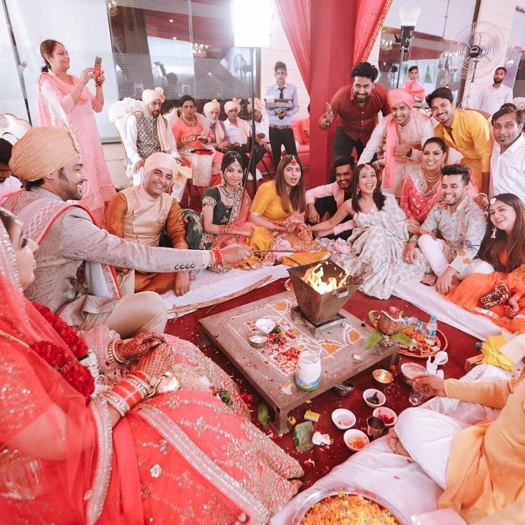 Bollywood Tadka,neha kakkar imgae,neha kakkar photo, neha kakkar picture,vibhor parashar image, vibhor parashar photos, vibhor parashar pictures