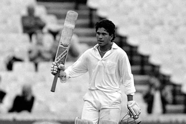 Sachin tendulkar 119 vs england, Sachin first Test century, Sachin Makes Test century in age of 17, Sachin Tendulkar, Cricket Records, Sports news, cricket news in hindi, IND vs ENG