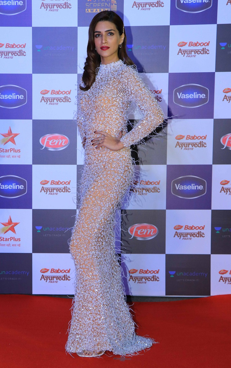 Bollywood Tadka, kriti sanon image, kriti sanon photo,kriti sanon picture,