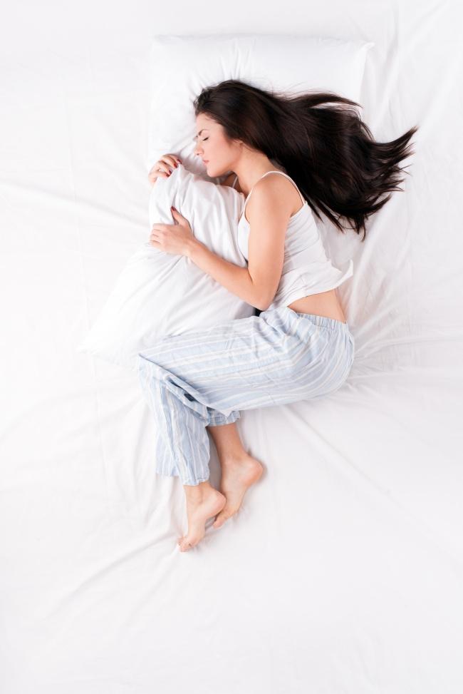 PunjabKesari, Fetal Position Image, Sleeping Position Image