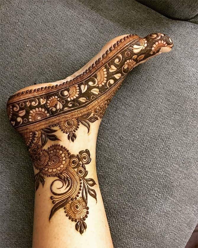 PunjabKesari, Foot Mehndi Design Simple and Easy, फुटमेहंदी डिजाइन सिंपल एंड इजी