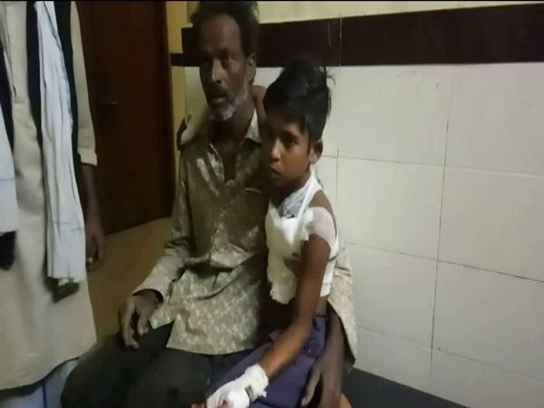 PunjabKesari, Madhya Pradesh News, Niwari News, Mobile Battery Cracked, Prathavipur Police Station Area, Bhopalpura, 2 injured, Medical College Jhansi
