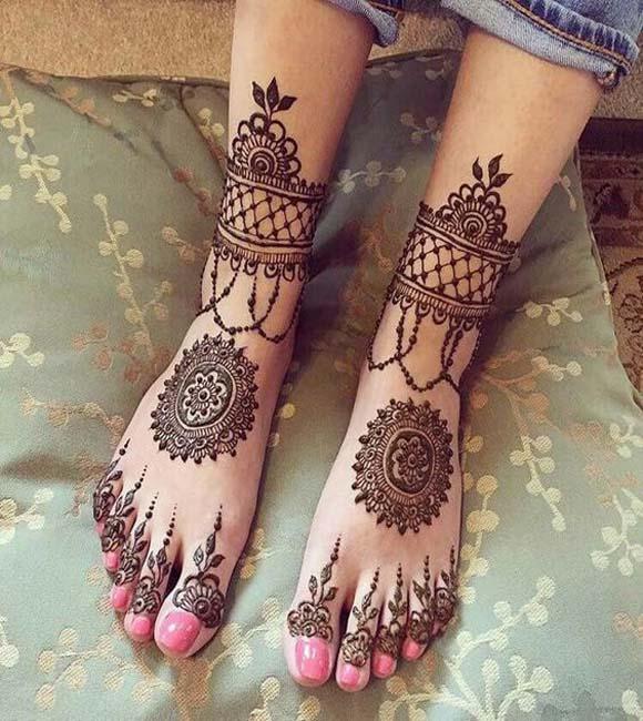 PunjabKesari, New Mehndi Design Foot and Legs,न्यूमेहंदीडिजाइन फुट एंड लेग्स