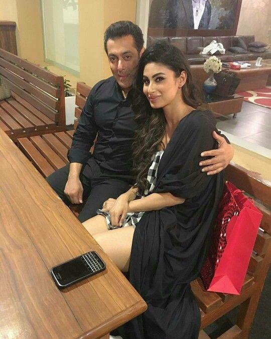 Bollywood Tadka,मौनी रॉय इमेज,मौनी रॉय फोटो,मौनी रॉय पिक्चर,सलमान खान इमेज,सलमान खान फोटो,सलमान खान पिक्चर