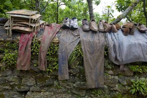 PunjabKesari, kunldi tv, dirty clothes image
