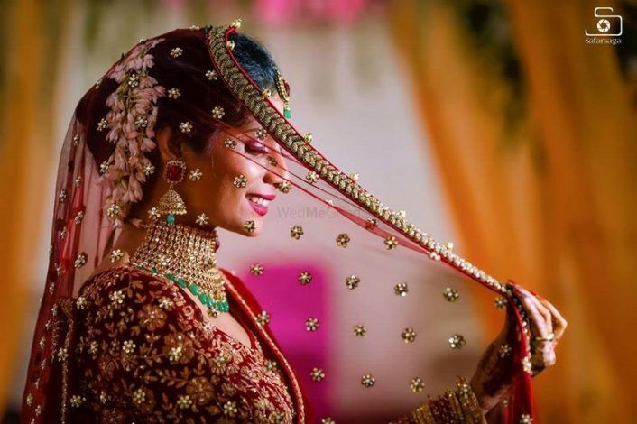 PunjabKesari, Nari, Tiny Booti Dupatta Image, Bridal Fashion