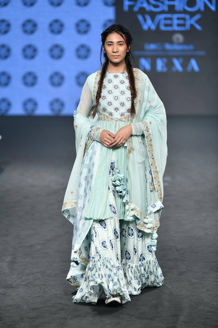 PunjabKesari, Nari, Tassels Dupatta Image, Bridal Fashion