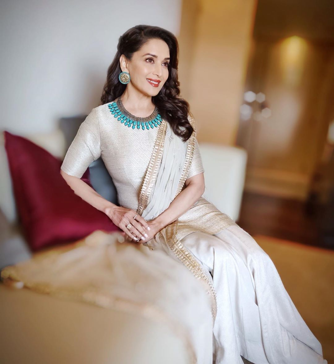 Bollywood Tadka, madhuri dixit hd wallpaper,madhuri dixit ka photo,madhuri dixit hd photo,madhuri dixit ki,माधुरी , माधुरी दीक्षित फोटो, माधुरी दीक्षित पिक्चर