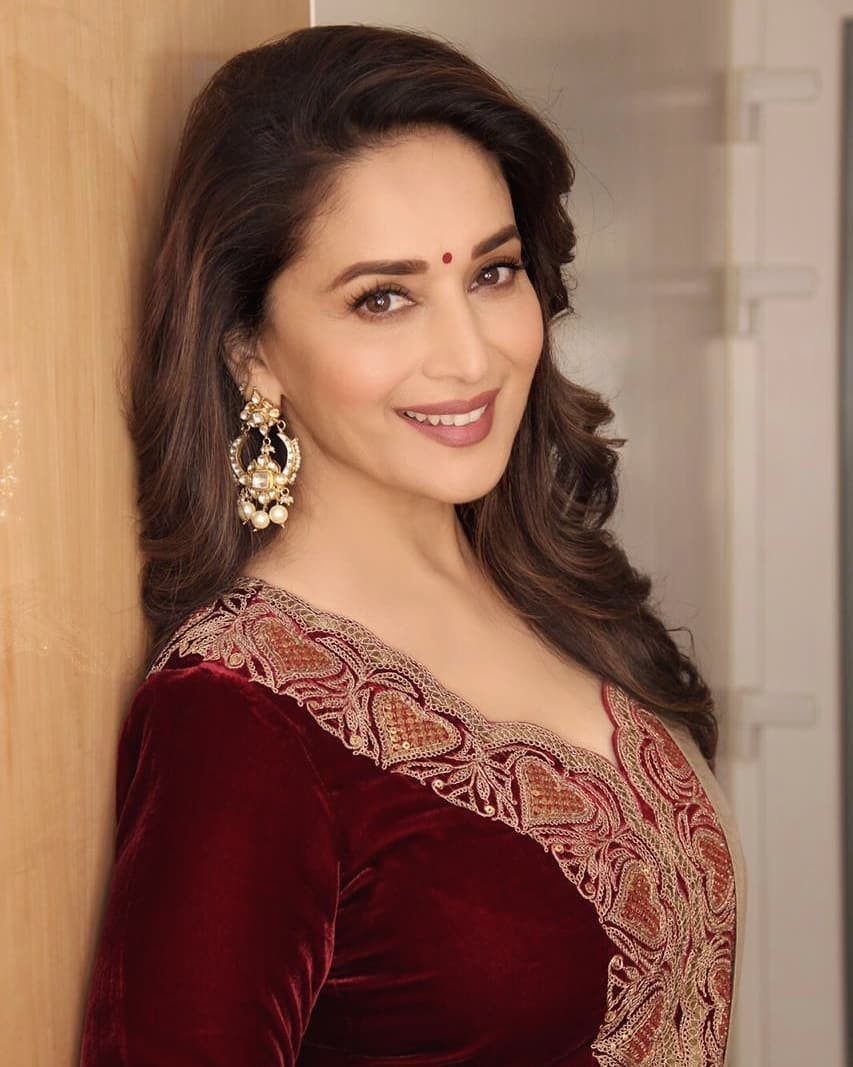 Bollywood Tadka, madhuri ki photo,madhuri dixit photo,madhuri dixit pic,madhuri picture,माधुरी ,माधुरी दीक्षित ,माधुरी दीक्षित फोटो,
