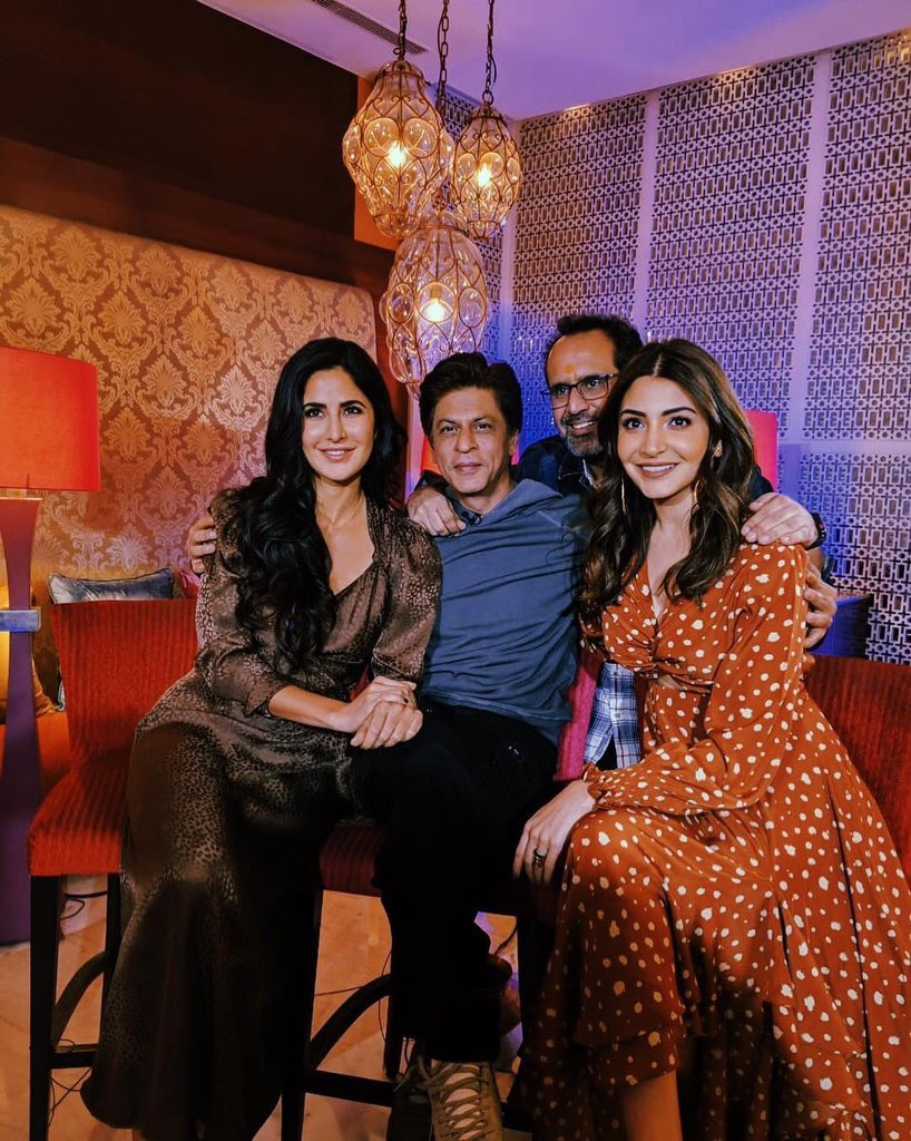 Bollywood Tadka, अनुष्का शर्मा इमेज, विराट कोहली इमेज, रोमांटिक इमेज, ट्विटर अकाउंट इमेज