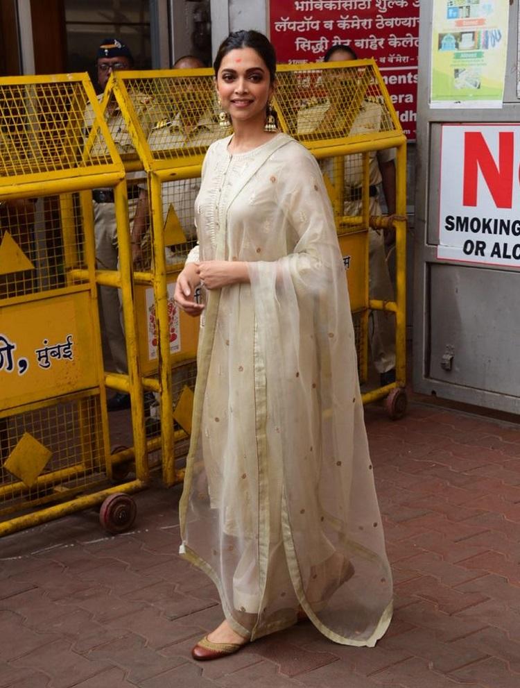 Bollywood Tadka,Deepika Padukone images, Deepika Padukone photos, Deepika Padukone pictures