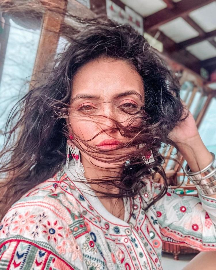 Bollywood Tadka,Roshni Chopra image,Roshni Chopra photo, Roshni Chopra pictures,