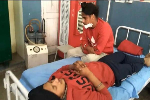 PunjabKesari, One killed, 6 injured in collision between Tampo and Scorpio