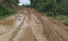 samba sumbh road in dilapidated condition