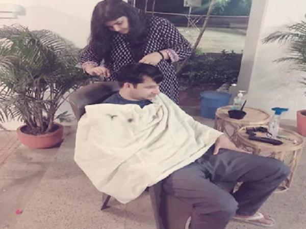 PunjabKesari, Madhya Pradesh, Jabalpur Collector, Collector Bharat Yadav, Wife Priyanka Yadav, Hair Dresser, Lockdown 3, Corona Virus