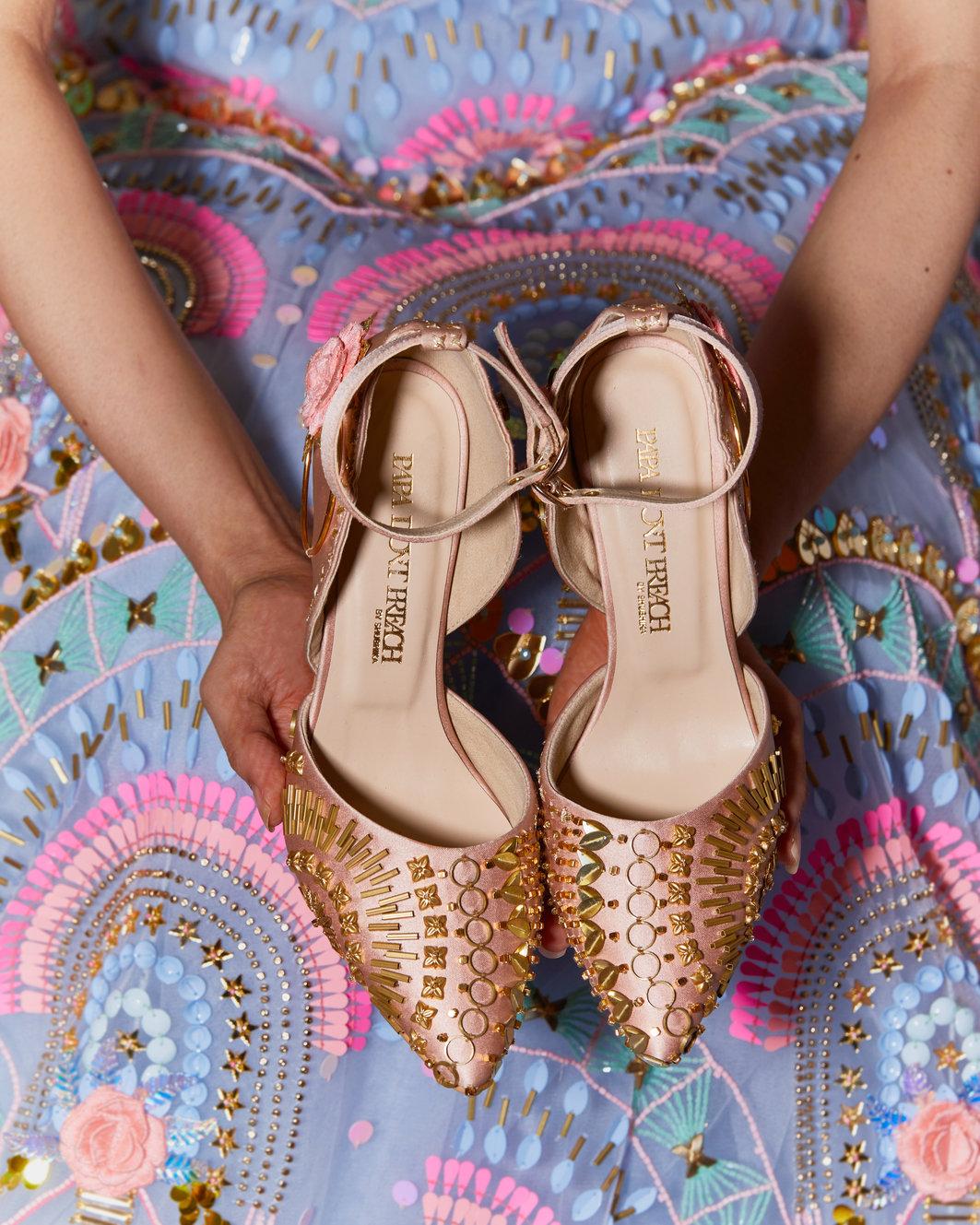 PunjabKesari,Footwear image