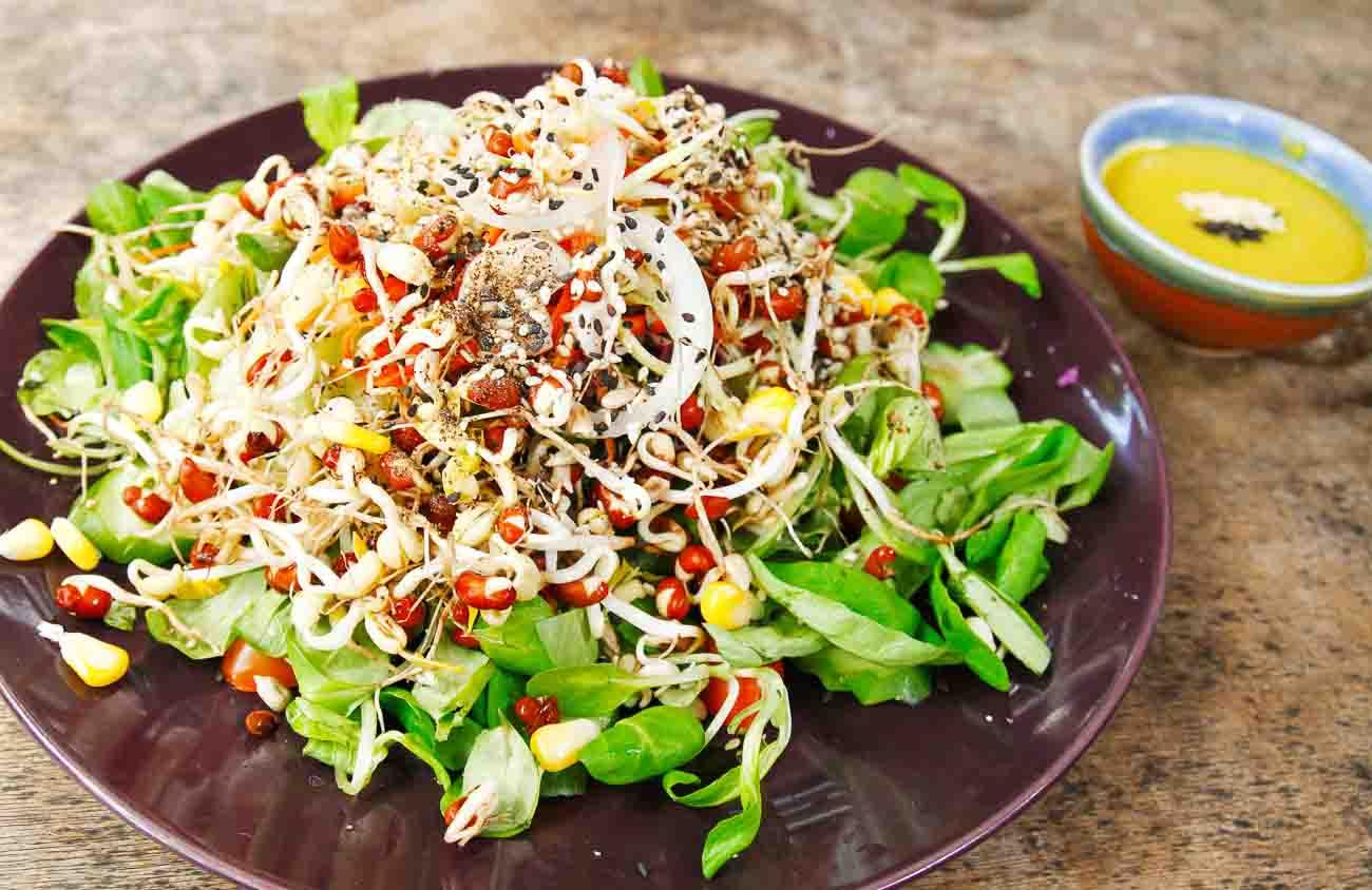 PunjabKesari,nari,sprout salad