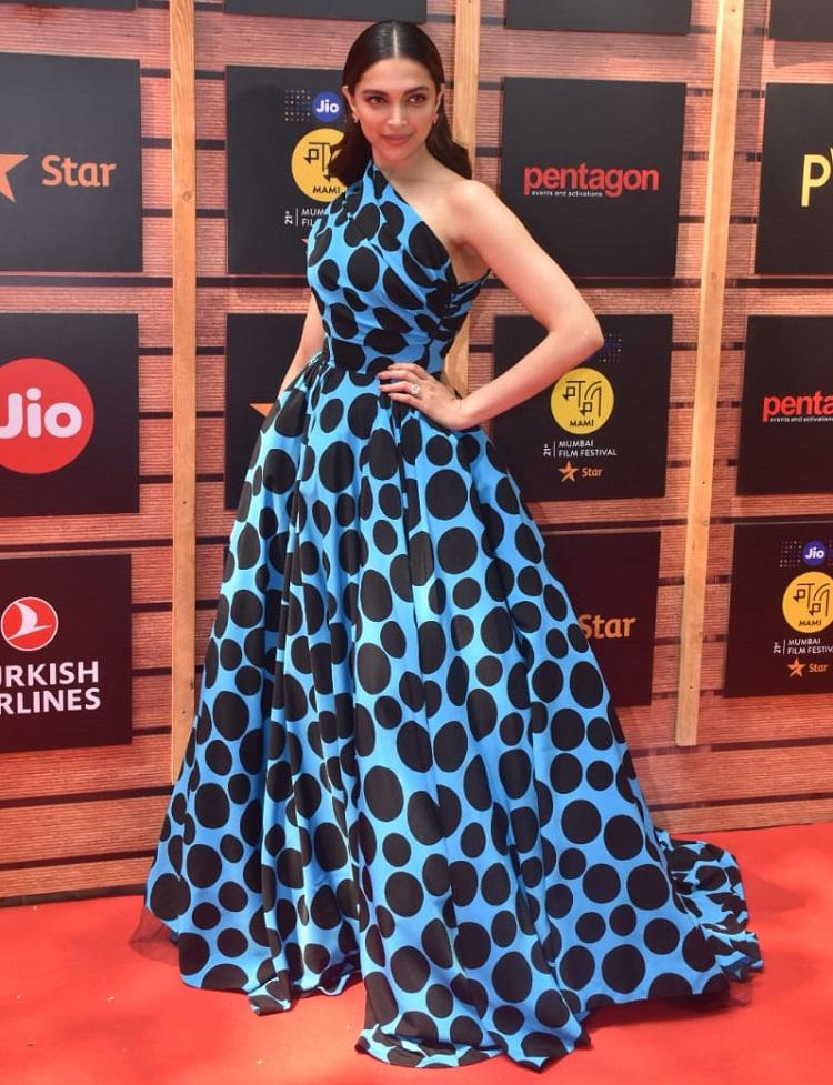 Bollywood Tadka,deepika padukone image, deepika padukone photo, deepika padukone picture