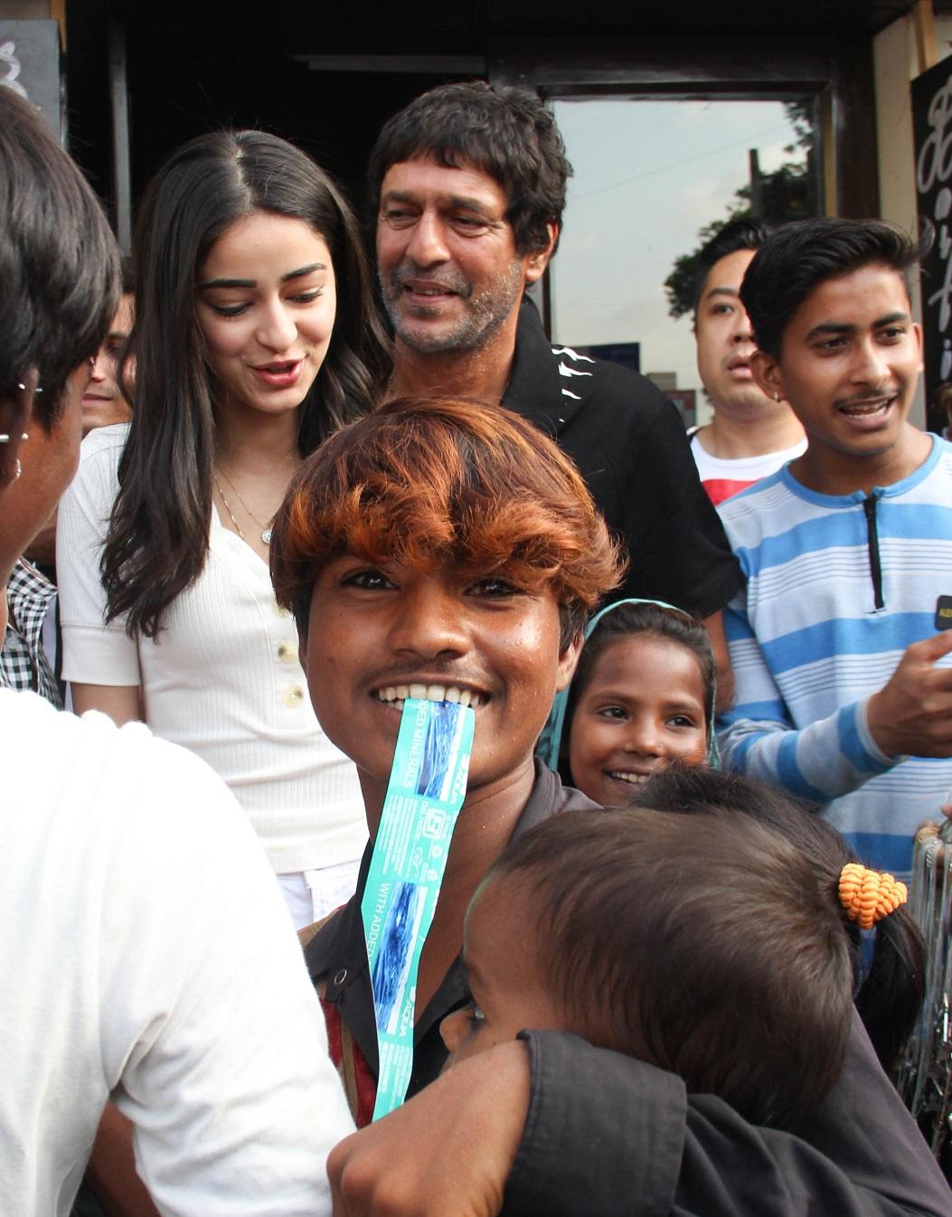 Bollywood Tadka, अनन्या पांडे इमेज, अनन्या पांडे फोटो, अनन्या पांडे पिक्चर, चंकी पांडे इमेज, चंकी पांडे फोटो, चंकी पांडे पिक्चर