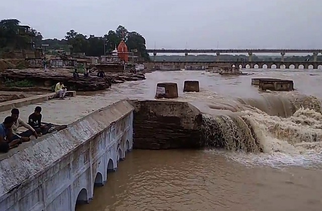 PunjabKesari, Flood in Madhya Pradesh, Flood in Gwalior Chambal, Flood, Sindh river, Chambal river, Heavy rain
