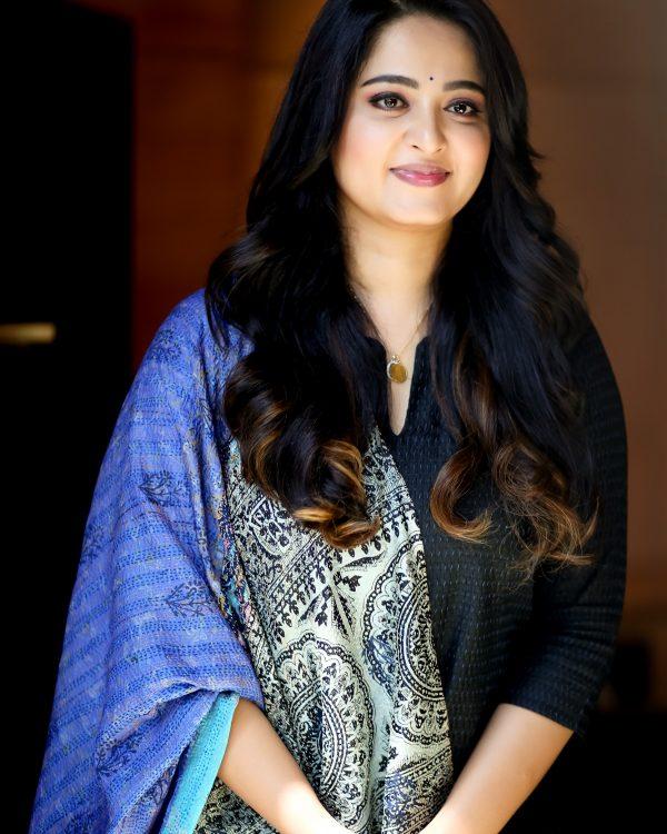 Bollywood Tadka, anushka shetty photo,  अनुष्का शेट्टी फोटो