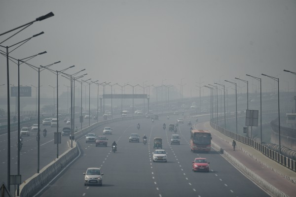 the air became stifling in ncr aqi reached 416