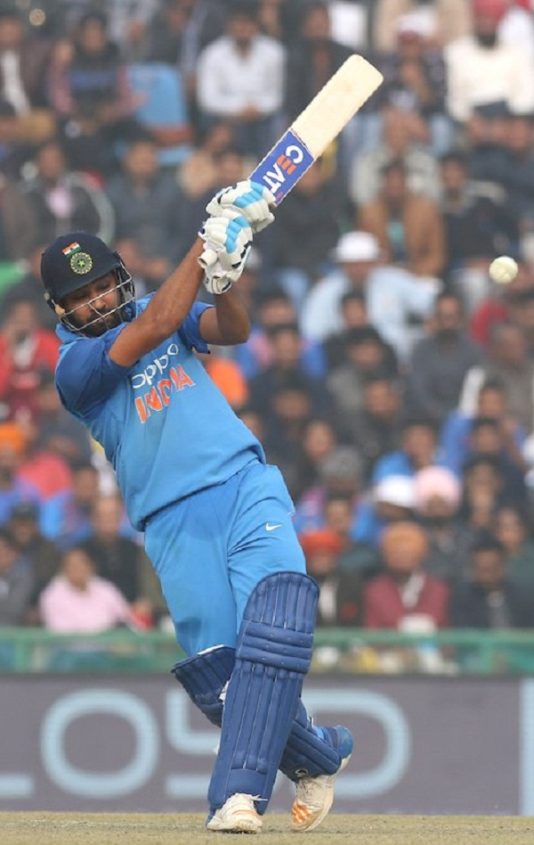Rohit Hit 11 sixes in last 10 overs of match against SRL to reach his third double hundred