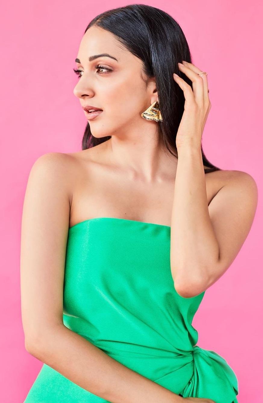 Bollywood Tadka,कियारा आडवाणी इमेज, कियारा आडवाणी फोटो, कियारा आडवाणी पिक्चर