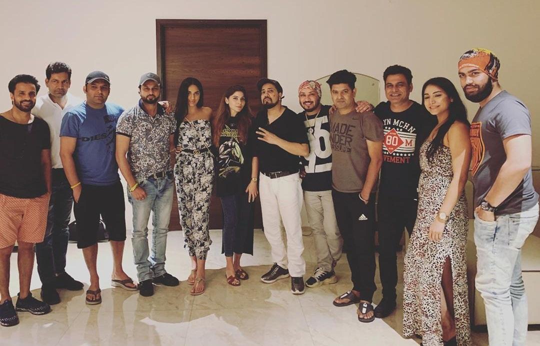 Bollywood Tadka,मीका सिंह इमेज,मीका सिंह फोटो,मीका सिंह पिक्चर, कपिल शर्मा इमेज, कपिल शर्माफोटो, कपिल शर्मा पिक्चर, राजीव ठाकुर इमेज,राजीव ठाकुर फोटो,राजीव ठाकुर पिक्चर,रोशन प्रिंस इमेज,रोशन प्रिंस फोटो,रोशन प्रिंस पिक्चर, जसबीर जस्सी इमेज,जसबीर जस्सी फोटो,जसबीर जस्सी पिक्चर