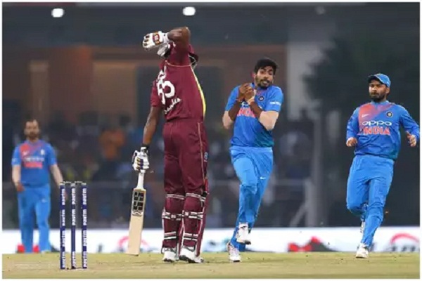 PunjabKesari, sports news, cricket news hindi, ind vs wi, T20, Lucknow, Kieron Pollard, Jaspreet Bumrah, 11over