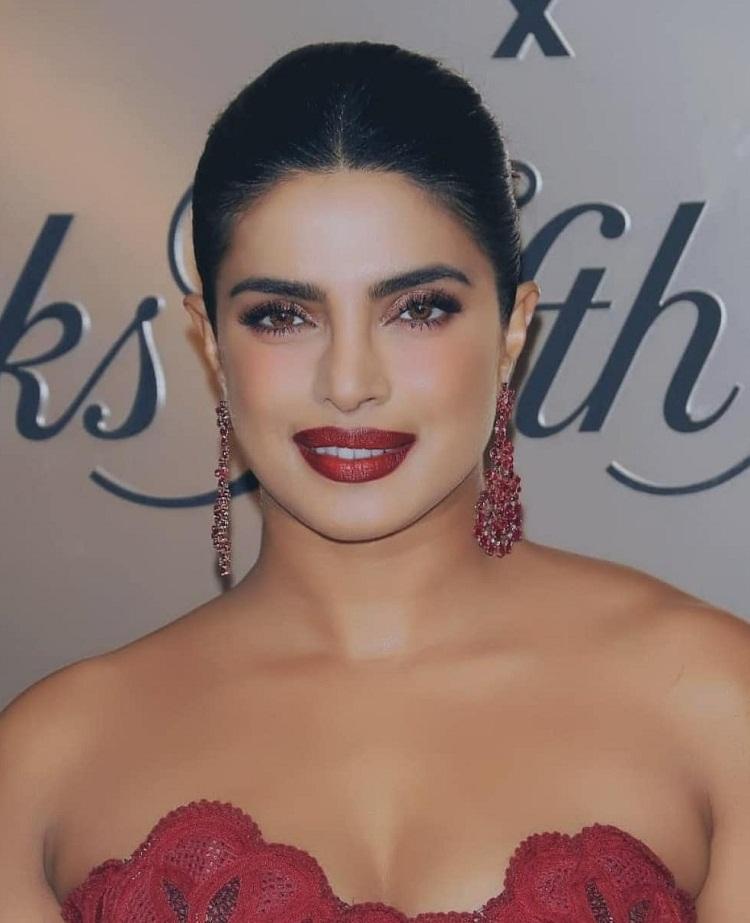 Bollywood Tadka,प्रियंका चोपड़ा इमेज, प्रियंका चोपड़ा फोटो,प्रियंका चोपड़ा पिक्चर