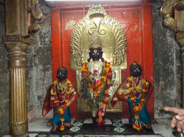 PunjabKesari, Shri Vitthal Rukmini Temple, pandharpur yatra, pandharpur yatra 2020, pandharpur yatra 2020 date, pandharpur palkhi 2020, पंढरपुर यात्रा 2020, Pandharpur Shri Vitthal Rukmini Temple, Shri Vitthal, Devi Rukmini, Lord Krishna, Dharmik Sthal, Religious Place in india, Punjab kesari, Dharm
