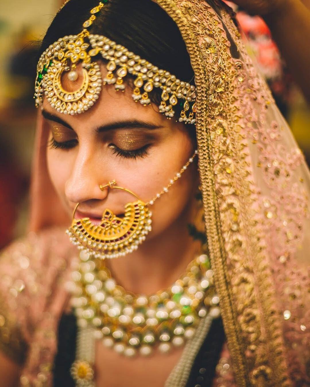 PunjabKesari, Dulhan Nose design in gold, दुल्हन नोज डिज़ाइन इन गोल्ड