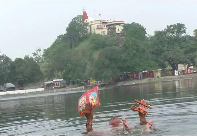 PunjabKesari, अशोक दायमा, Ashok Dayma Sundarkand Path in river