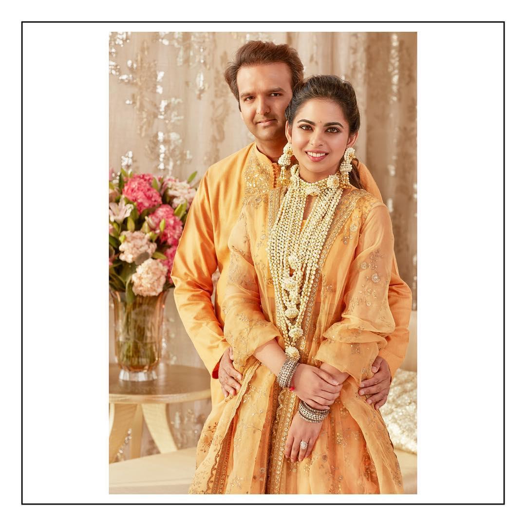 Bollywood Tadka,ईशा अंबानी इमेज,आनंद पीरामल इमेज,हल्दी सेरेमनी इमेज
