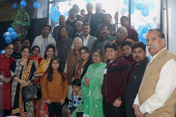 PunjabKesari, Punjabis contributor to progress of country: Somprakash Kainth