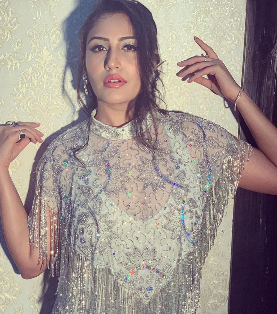 Bollywood Tadka, सुरभि चंदना इमेज, सुरभि चंदना फोटो, सुरभि चंदना पिक्चर