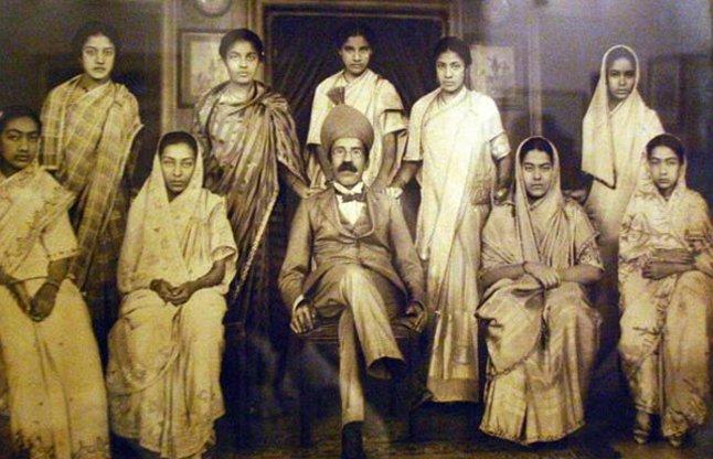 PunjabKesari, Nizam of Hyderabad Image, Royal Families Dark Secrets Image