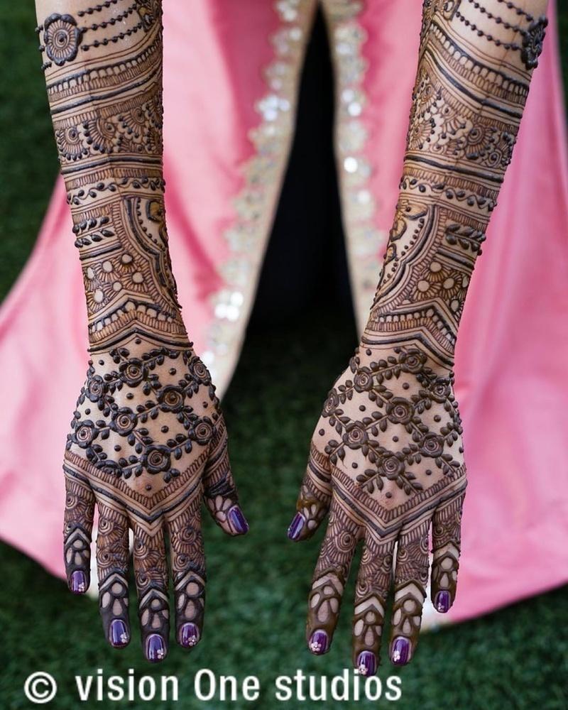PunjabKesari,मेहंदी डिजाइन इमेज,LatestMehndi Designs for full Hands Back, लेटेस्ट मेहंदी डिजाइन फॉर फुल हैंड बैक