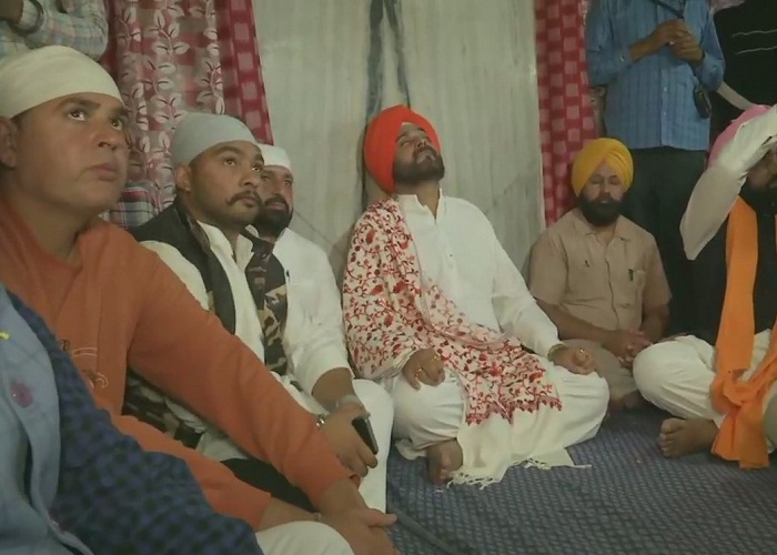 PunjabKesari, sidhu attend GURU NANAK DEV JI 550 PARKASH PURAB