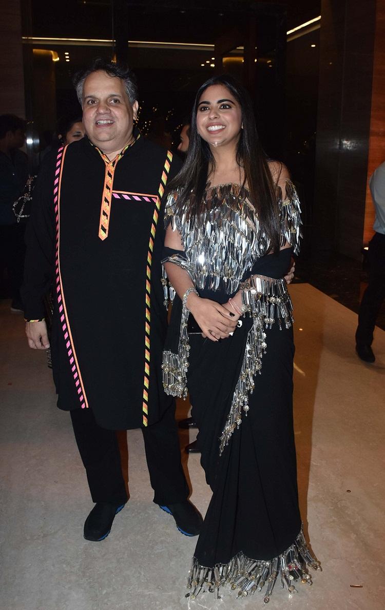Bollywood Tadka, ईशा अंबानी इमेज, ईशा अंबानी फोटो, ईशा अंबानी पिक्चर