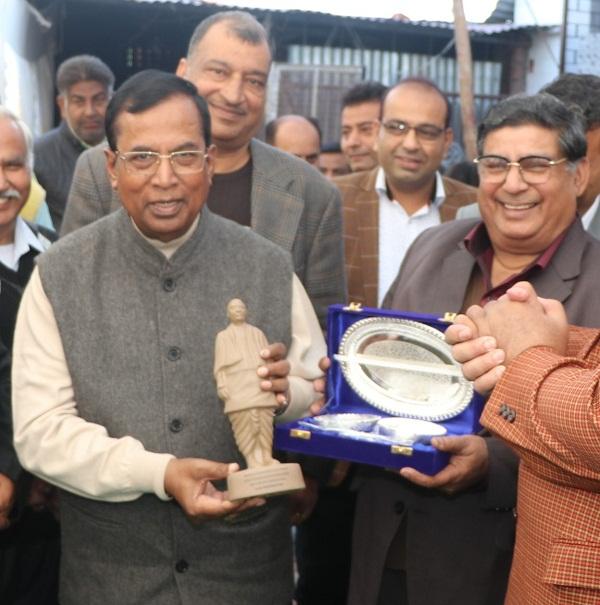 PunjabKesari, punjabis contributor to progress of country somprakash kainth