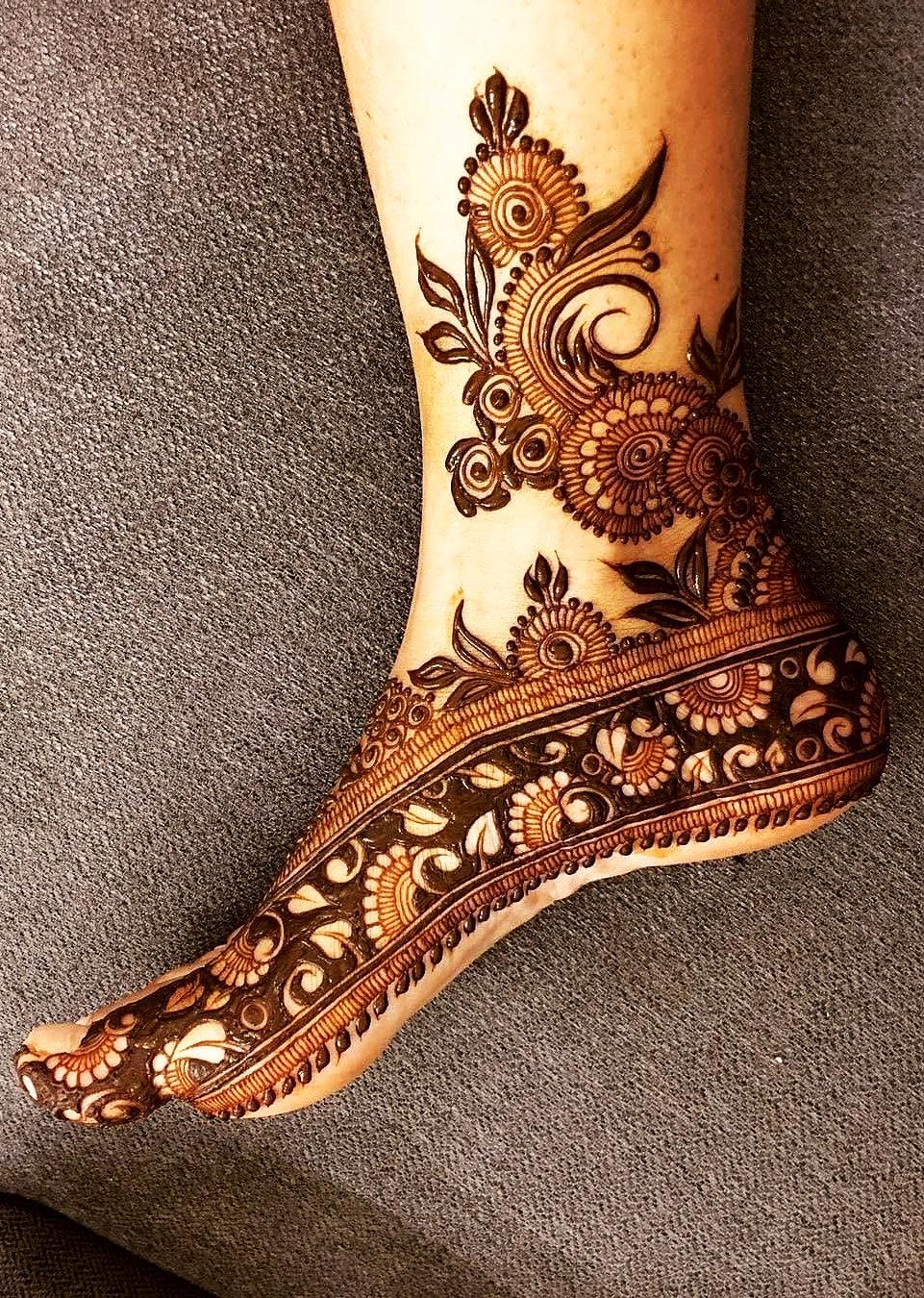 PunjabKesari, मेहंदीडिजाइन इमेज,BridalMehndi Designs for Foot, ब्राइडल मेहंदीडिजाइन फॉर फुट
