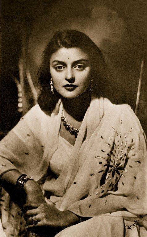 PunjabKesari, Royal Families Dark Secrets Image