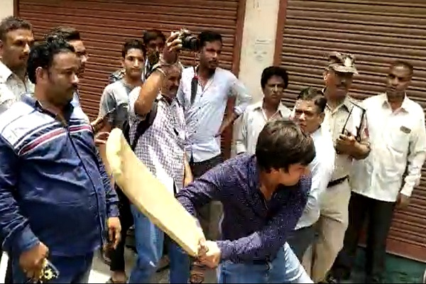 bjp legislator akash vijayvargiya arrested