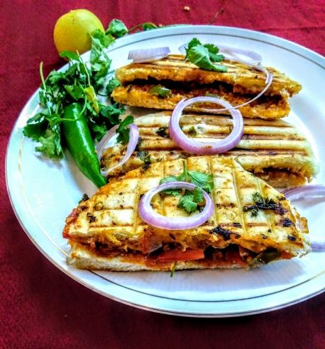 PunjabKesari, Pizza Kulcha Sandwich Recipe Image, Pizza Kulcha Sandwich Image