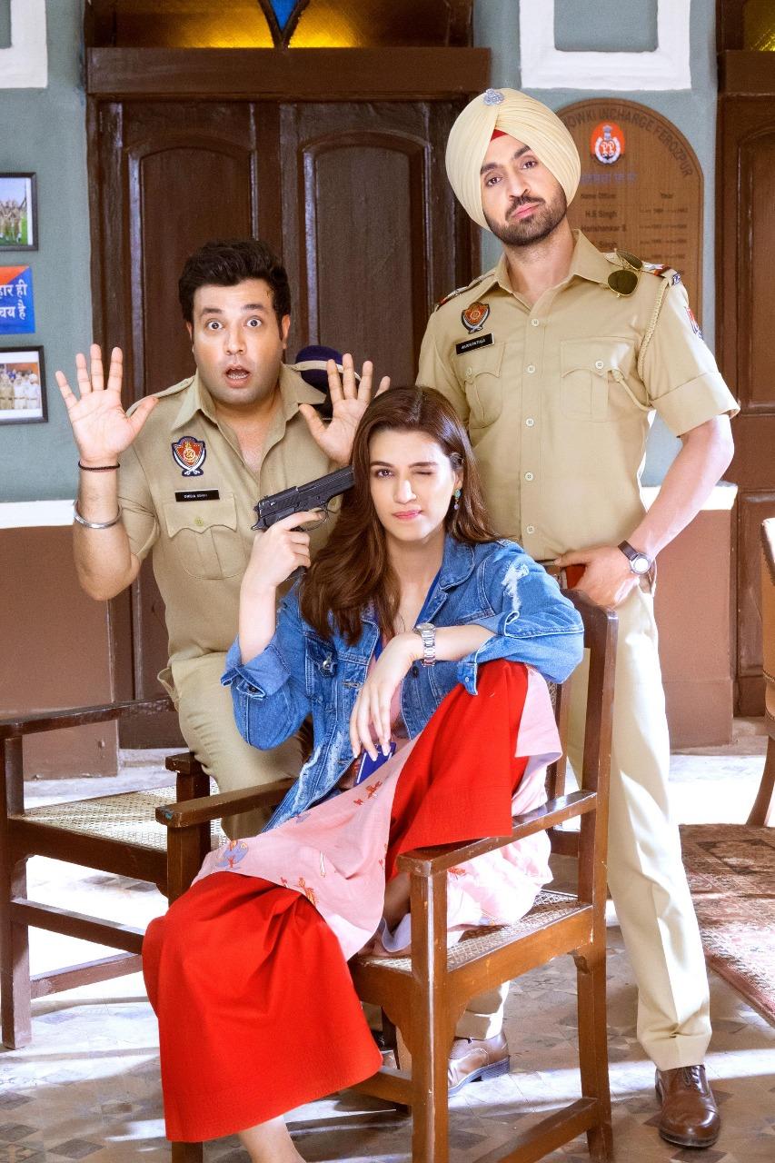 Bollywood Tadka, कृति सेनन  इमेज,  दिलजीत दोसांझ इमेज, अर्जुन पटियाला इमेज