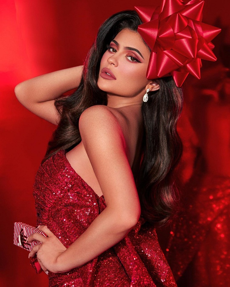Bollywood Tadka,Kylie Jenner image , Kylie Jenner photo,Kylie Jenner Pictures